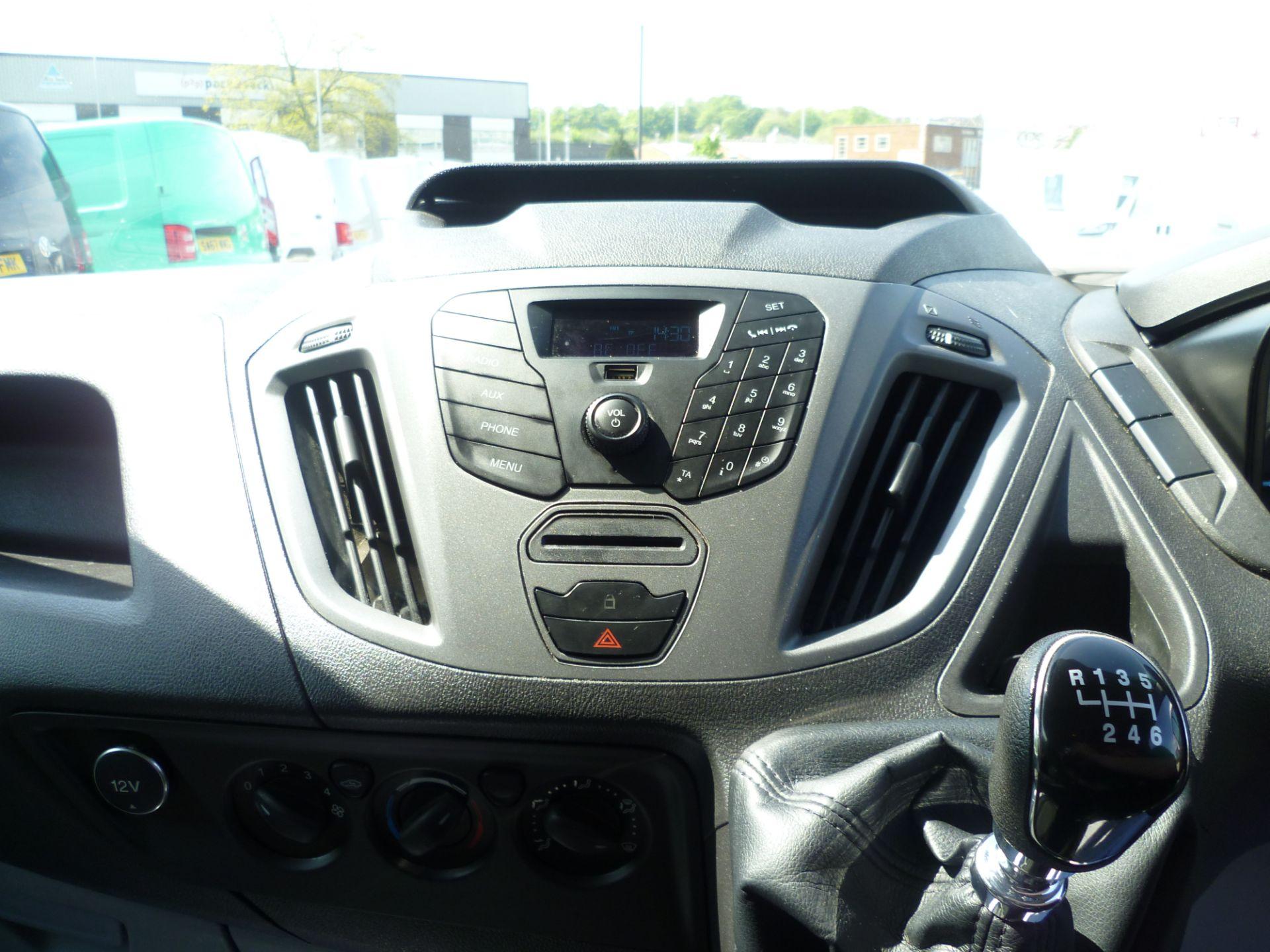 2015 Ford Transit Custom 290 L1 DIESEL FWD 2.2  TDCI 100PS LOW ROOF VAN EURO 5 (FL65RKA) Image 20