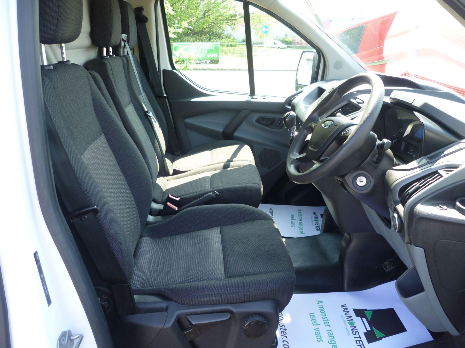 2015 Ford Transit Custom 290 L1 DIESEL FWD 2.2  TDCI 100PS LOW ROOF VAN EURO 5 (FL65RKA) Image 18