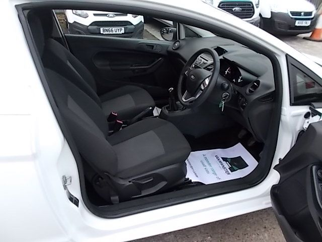 2015 Ford Fiesta  DIESEL 1.5 TDCI VAN EURO 5/6 (FL65RVY) Image 12