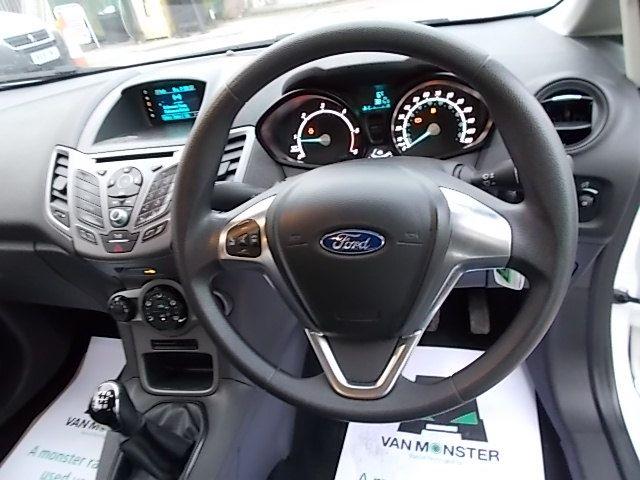 2015 Ford Fiesta  DIESEL 1.5 TDCI VAN EURO 5/6 (FL65RVY) Image 15