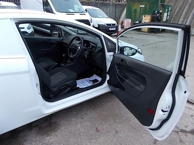 2015 Ford Fiesta  DIESEL 1.5 TDCI VAN EURO 5/6 (FL65RVY) Image 11