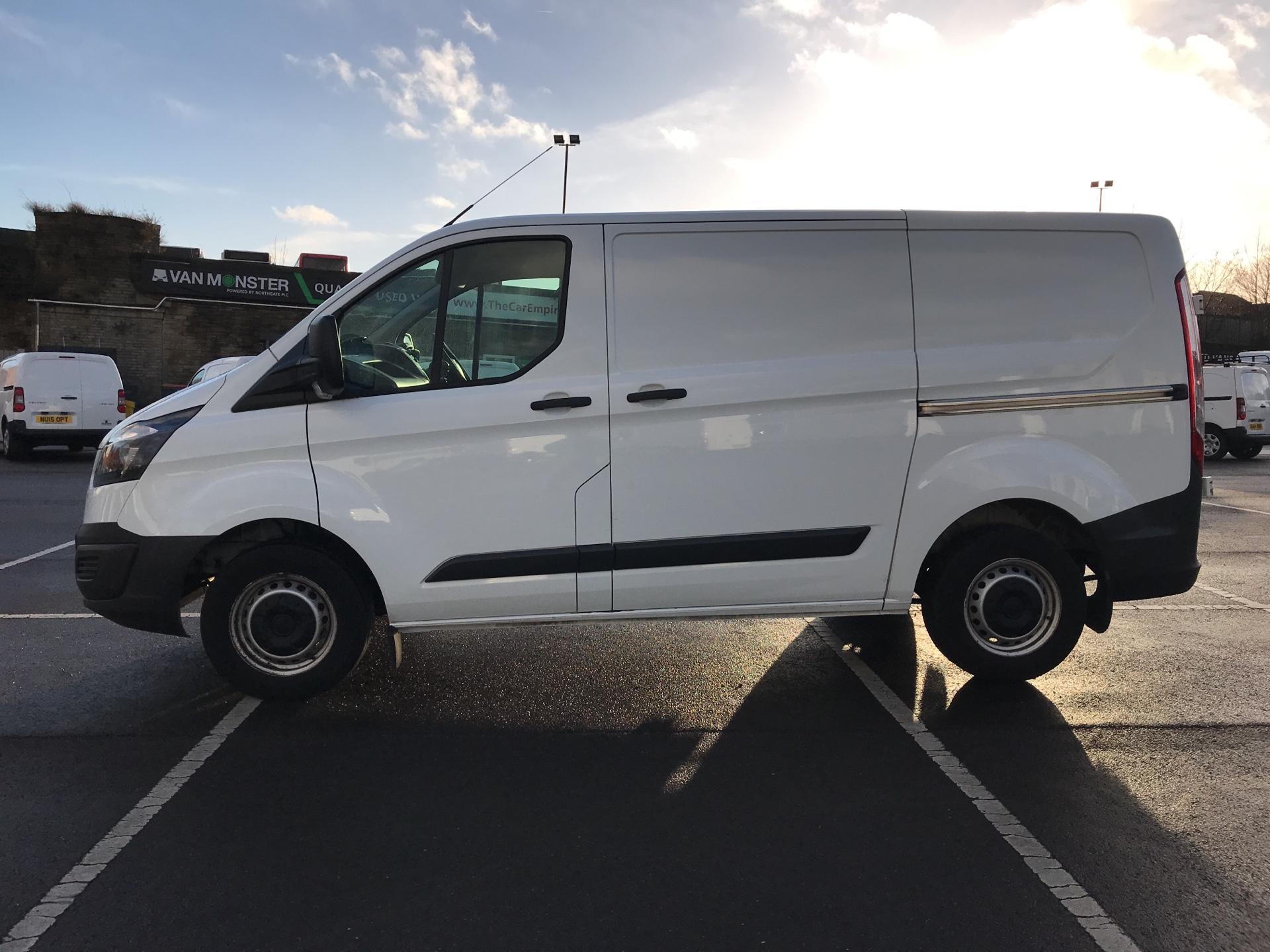 2015 Ford Transit Custom DIESEL L1 FWD 2.2 TDCI 100PS LOW ROOF VAN EURO 5  (FL65RWY) Image 6