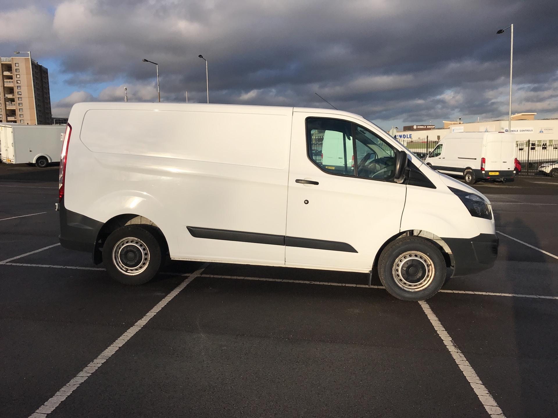 2015 Ford Transit Custom DIESEL L1 FWD 2.2 TDCI 100PS LOW ROOF VAN EURO 5  (FL65RWY) Image 2