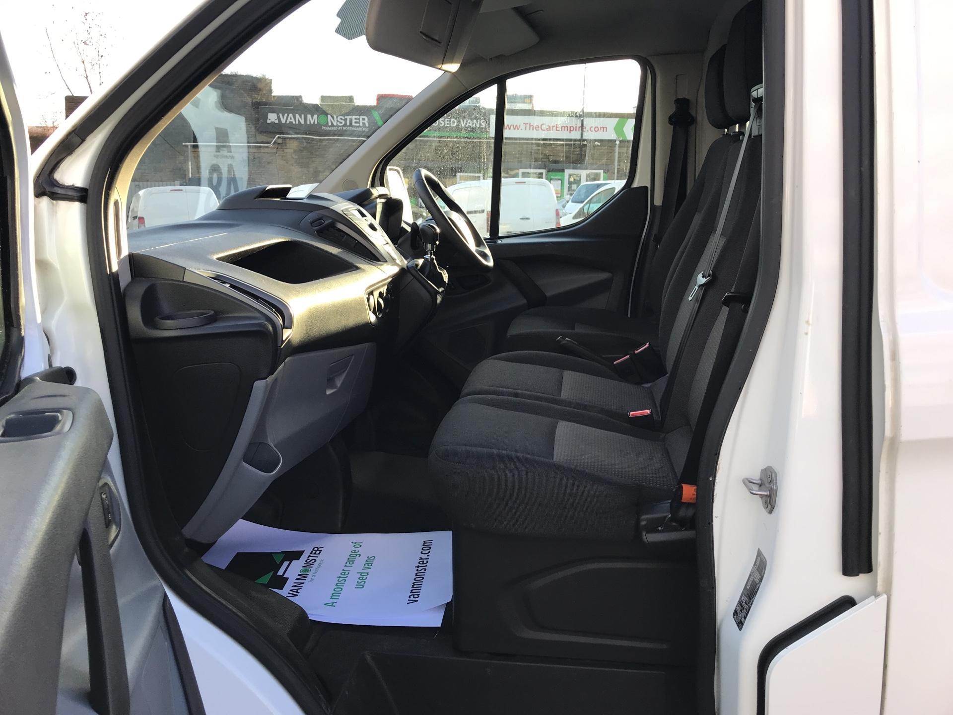2015 Ford Transit Custom DIESEL L1 FWD 2.2 TDCI 100PS LOW ROOF VAN EURO 5  (FL65RWY) Image 14