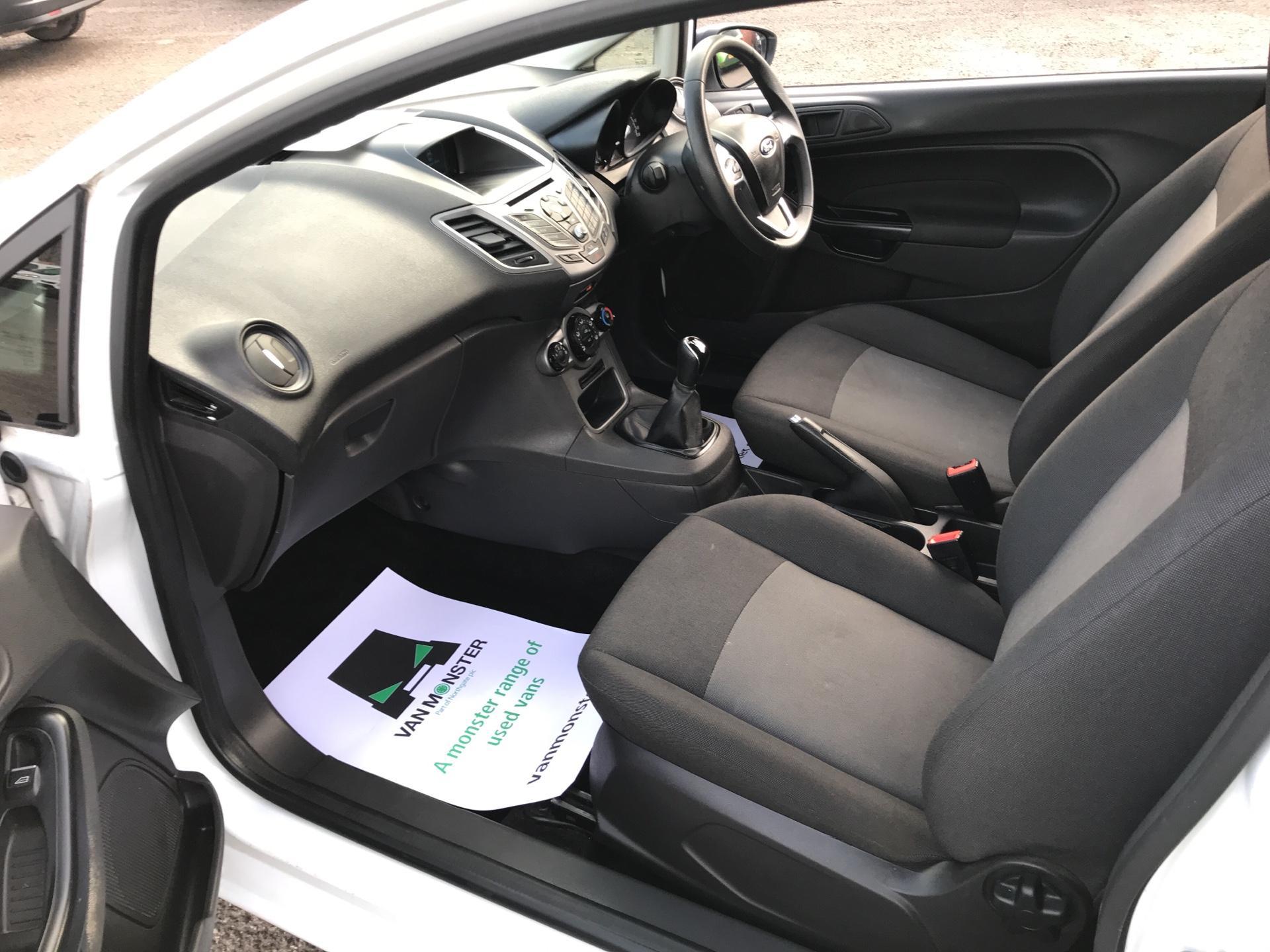 2015 Ford Fiesta  DIESEL 1.5 TDCI VAN EURO 6 (FL65RYF) Image 14