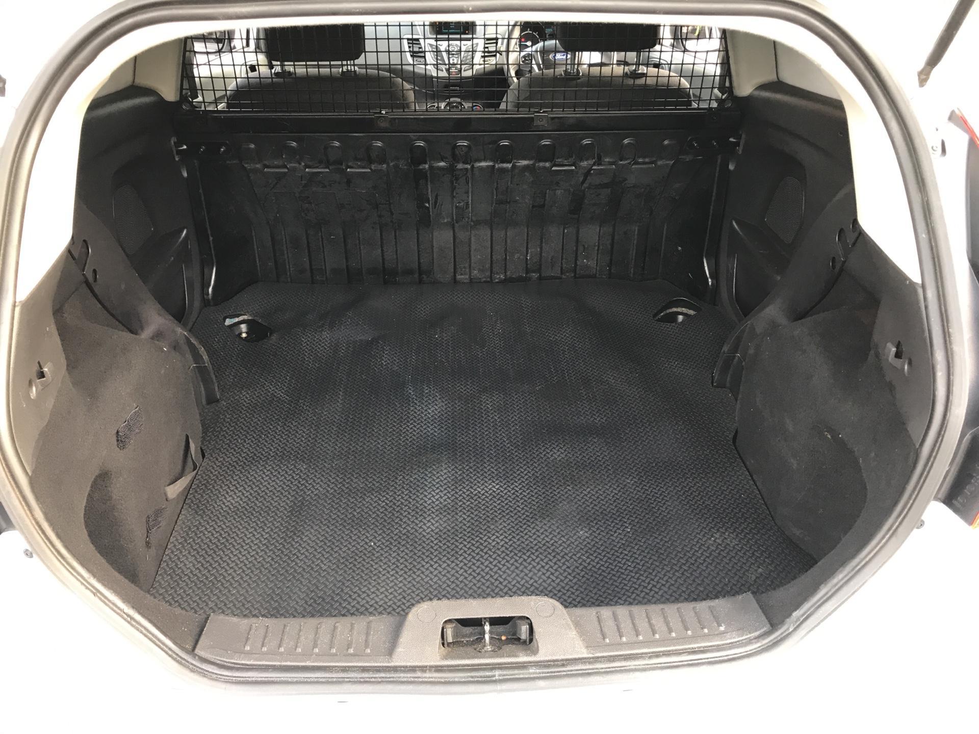 2015 Ford Fiesta  DIESEL 1.5 TDCI VAN EURO 6 (FL65RYF) Image 15