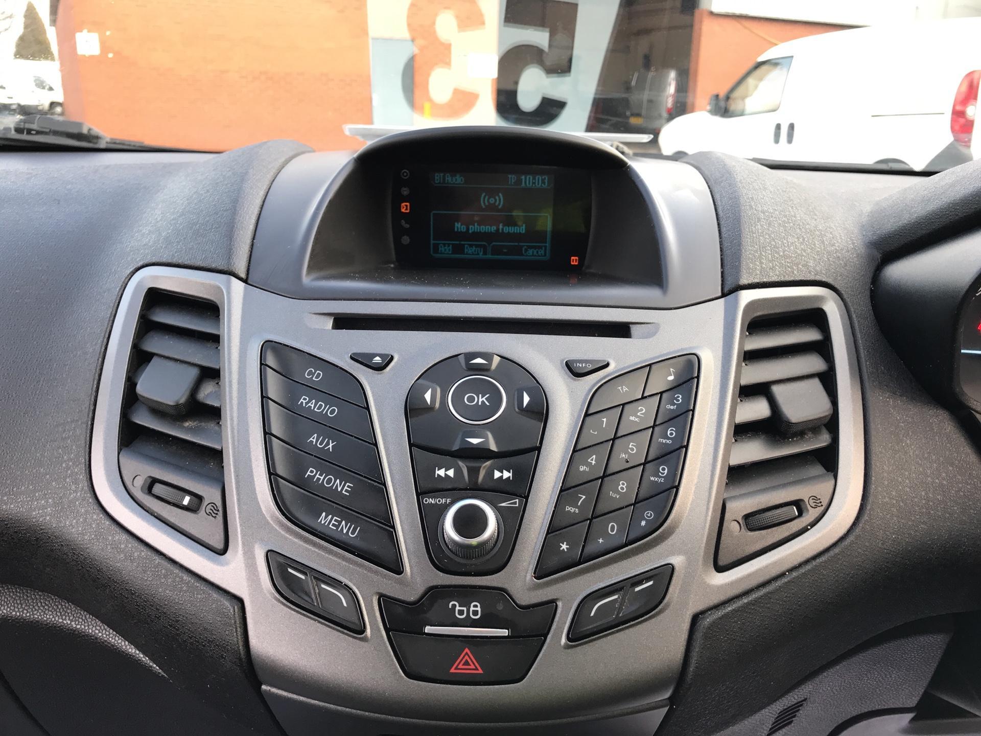 2015 Ford Fiesta  DIESEL 1.5 TDCI VAN EURO 6 (FL65RYF) Image 10