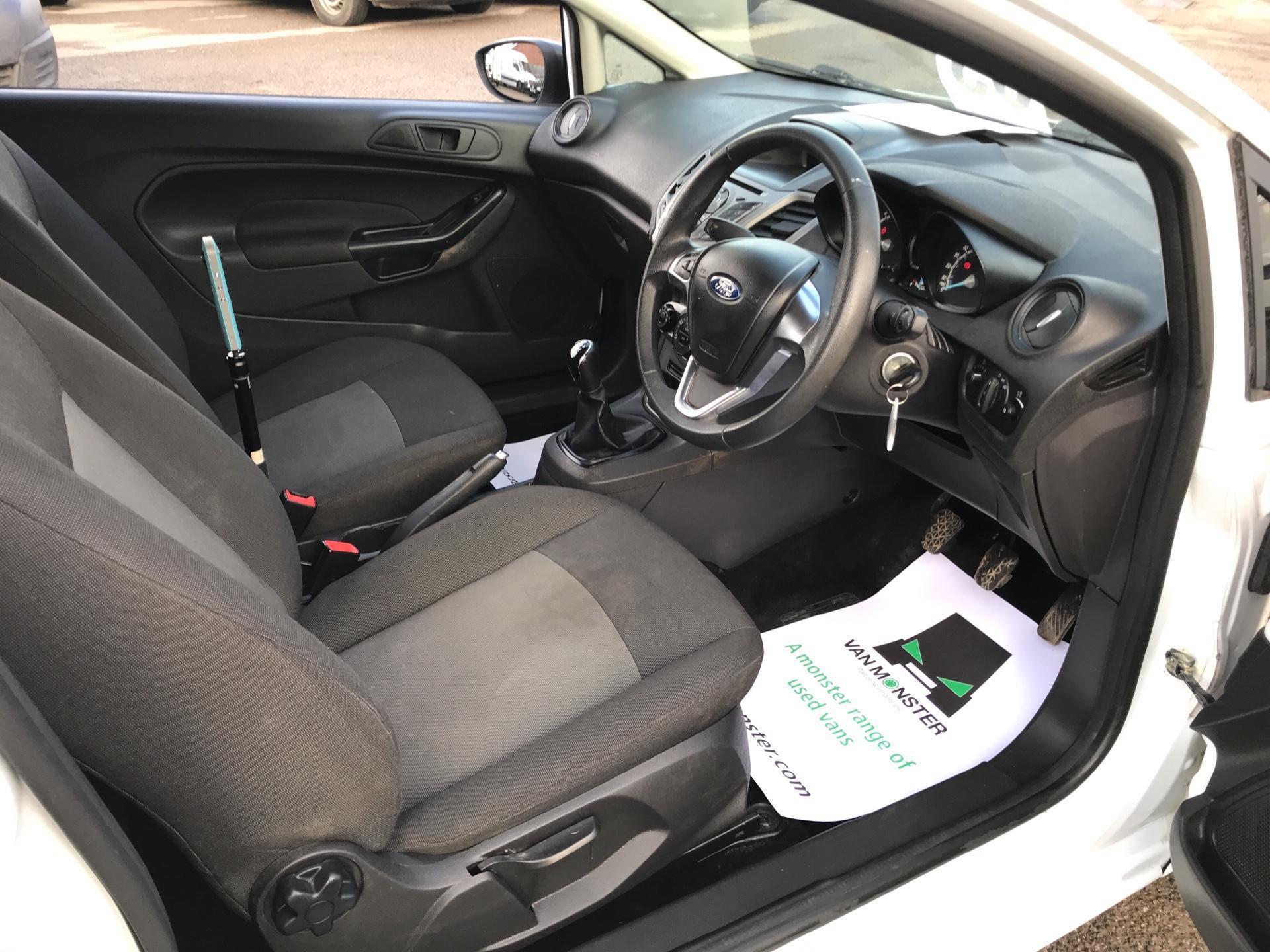 2015 Ford Fiesta  DIESEL 1.5 TDCI VAN EURO 6 (FL65RYF) Image 9