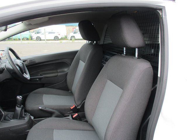 2015 Ford Fiesta DIESEL 1.5 TDCI VAN EURO 6. AIR CON (FL65RYU) Image 9