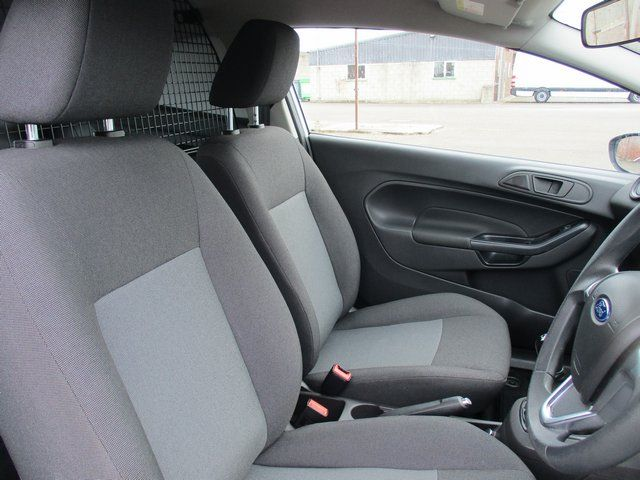 2015 Ford Fiesta DIESEL 1.5 TDCI VAN EURO 6. AIR CON (FL65RYU) Image 14