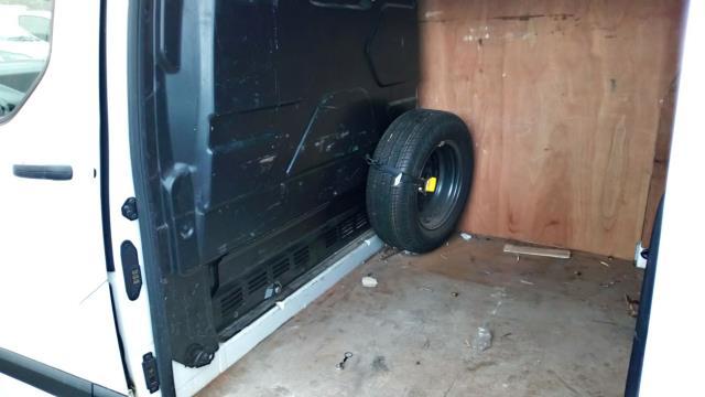 2015 Ford Transit Custom 2.2 Tdci 100Ps Low Roof Van (FL65SGO) Image 9