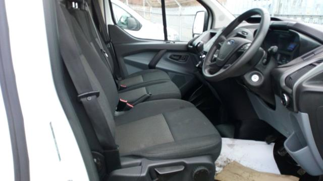 2015 Ford Transit Custom 2.2 Tdci 100Ps Low Roof Van (FL65SGO) Image 18