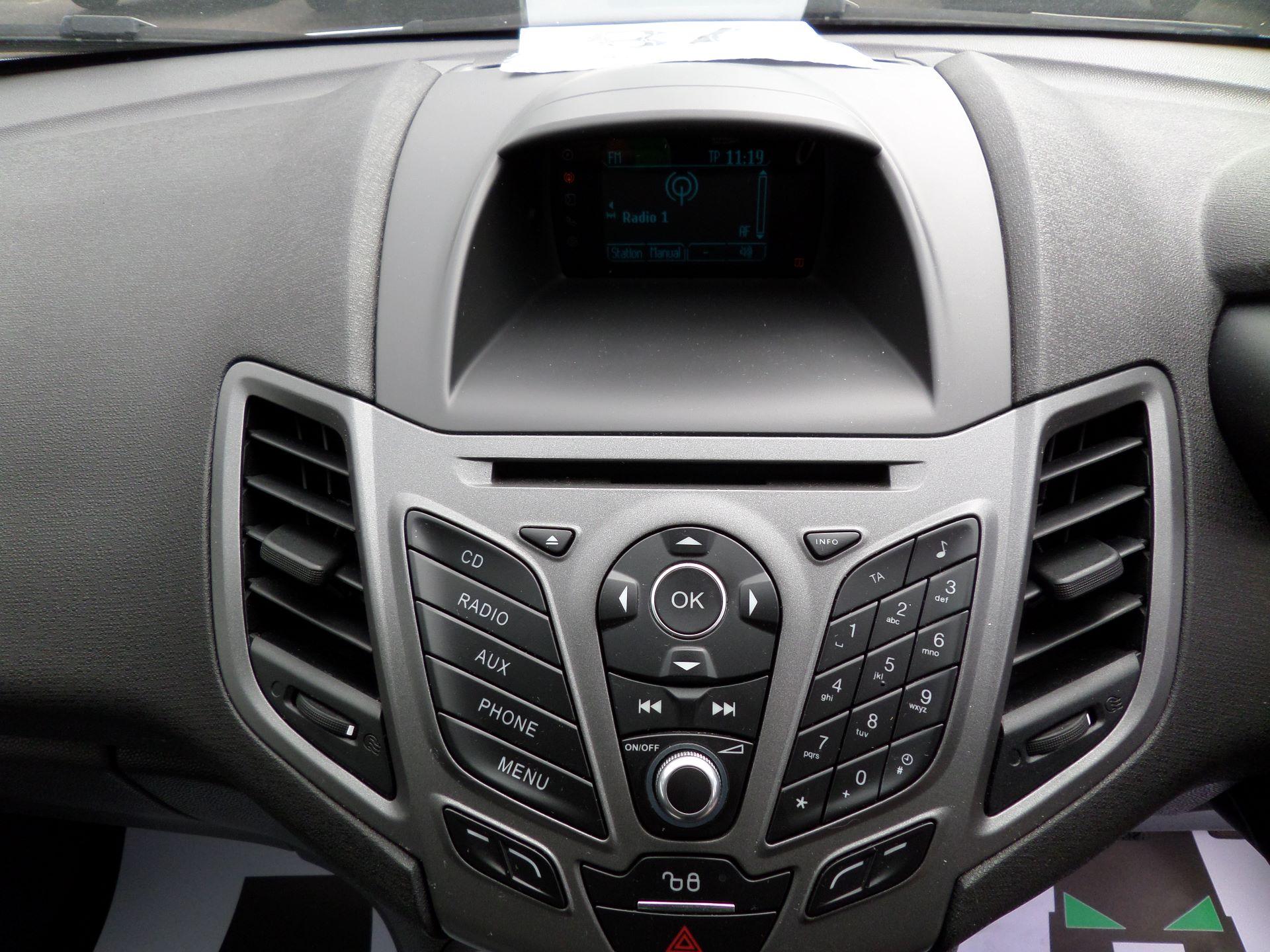 2015 Ford Fiesta  DIESEL 1.5 TDCI VAN EURO 5/6 (FL65SGX) Image 3