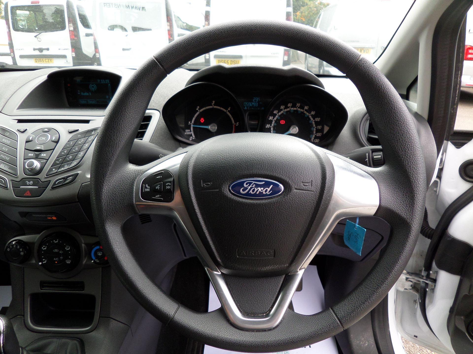 2015 Ford Fiesta  DIESEL 1.5 TDCI VAN EURO 5/6 (FL65SGX) Image 5