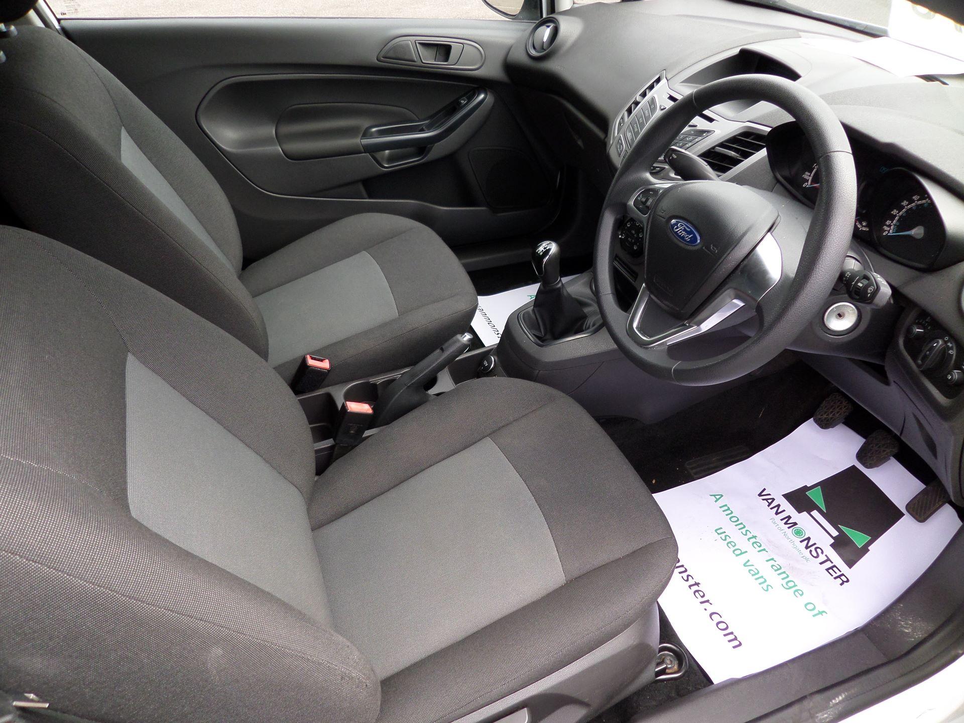 2015 Ford Fiesta  DIESEL 1.5 TDCI VAN EURO 5/6 (FL65SGX) Image 2