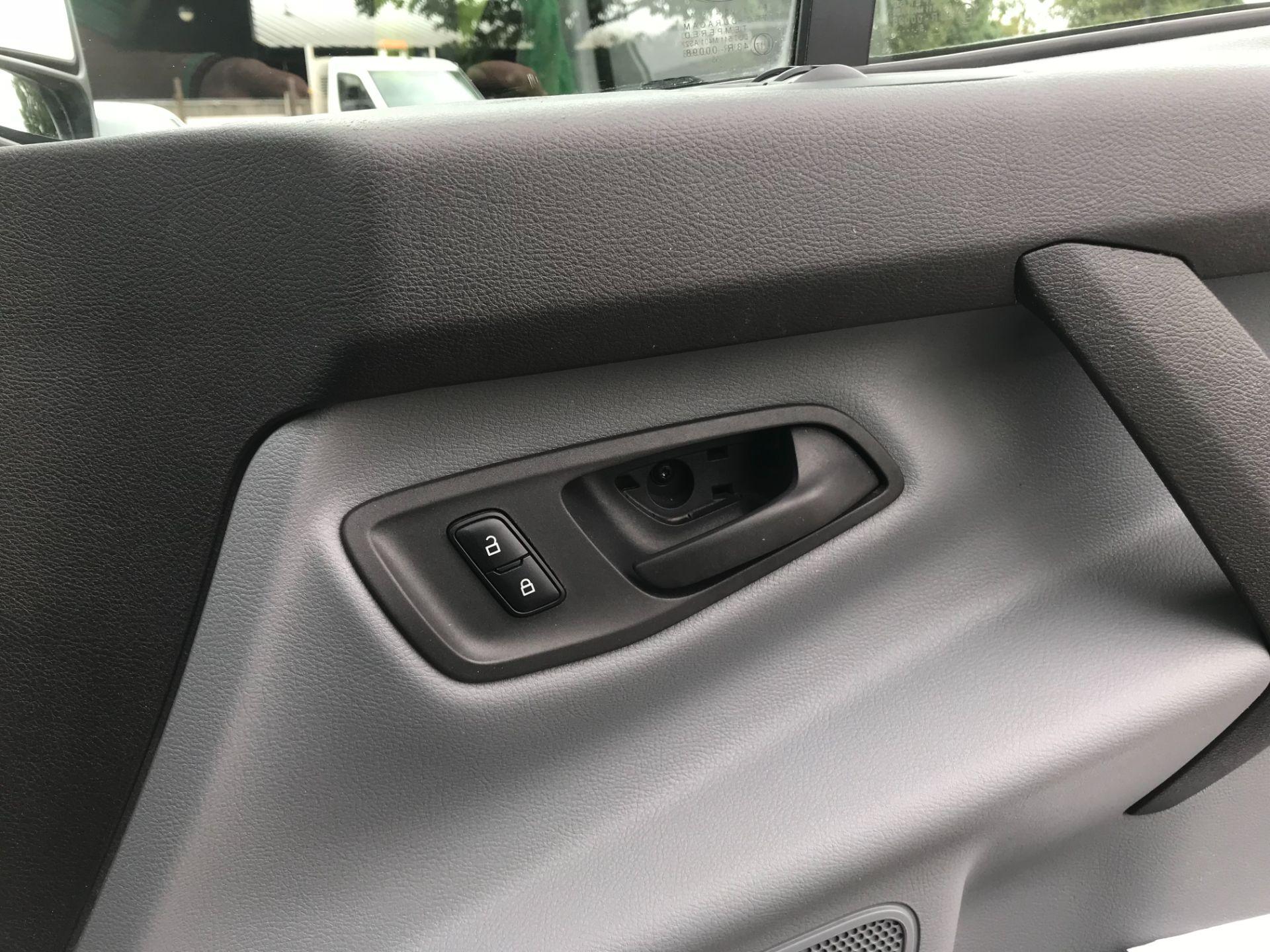 2015 Ford Transit Custom 290 L2 DIESEL FWD 2.2 TDCI 100PS HIGH ROOF VAN EURO 5 (FL65SKX) Image 56