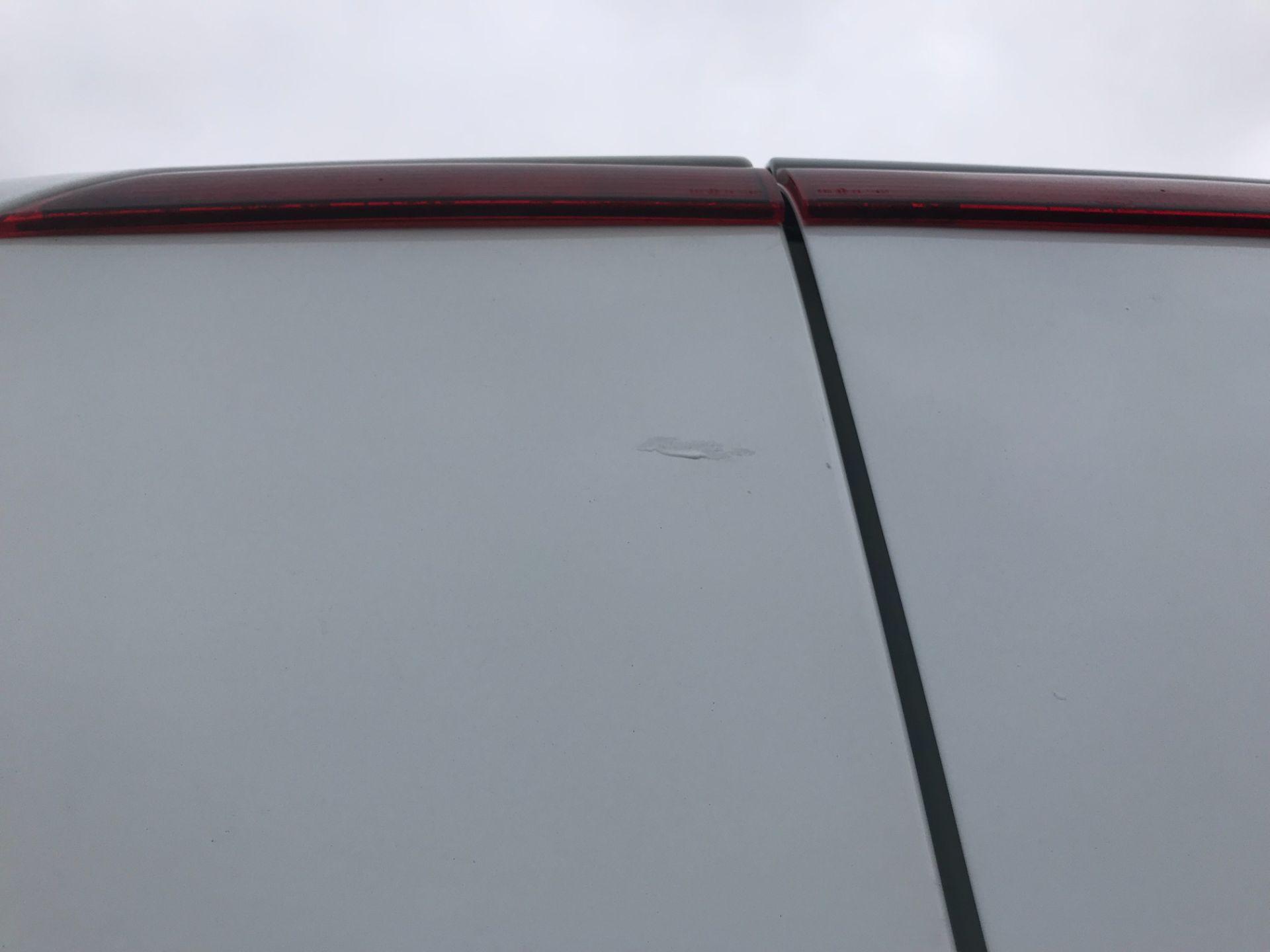 2015 Ford Transit Custom 290 L2 DIESEL FWD 2.2 TDCI 100PS HIGH ROOF VAN EURO 5 (FL65SKX) Image 40