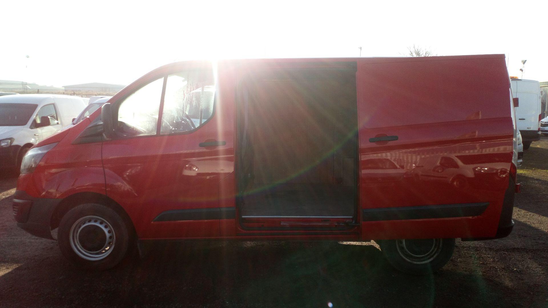 2015 Ford Transit Custom 2.2 Tdci 100Ps Low Roof Van (FL65SXS) Image 16