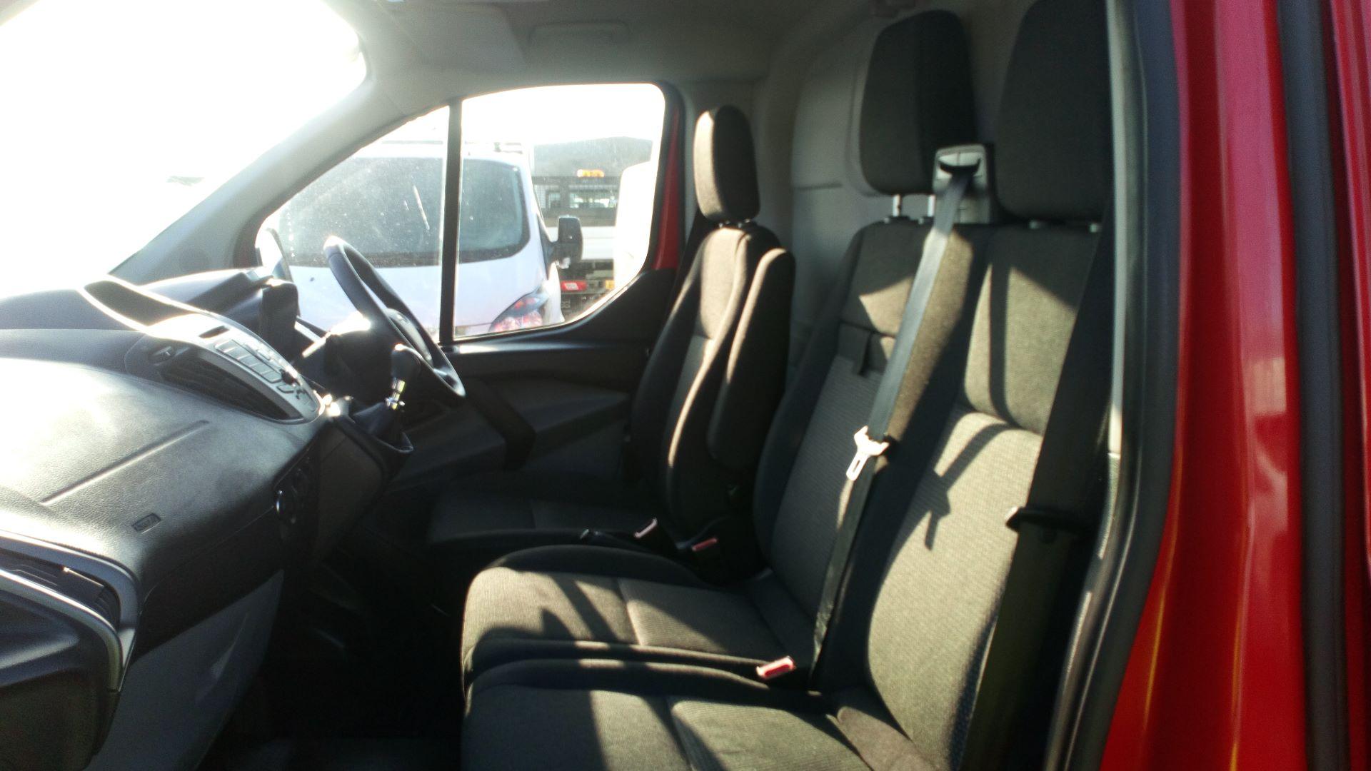 2015 Ford Transit Custom 2.2 Tdci 100Ps Low Roof Van (FL65SXS) Image 13