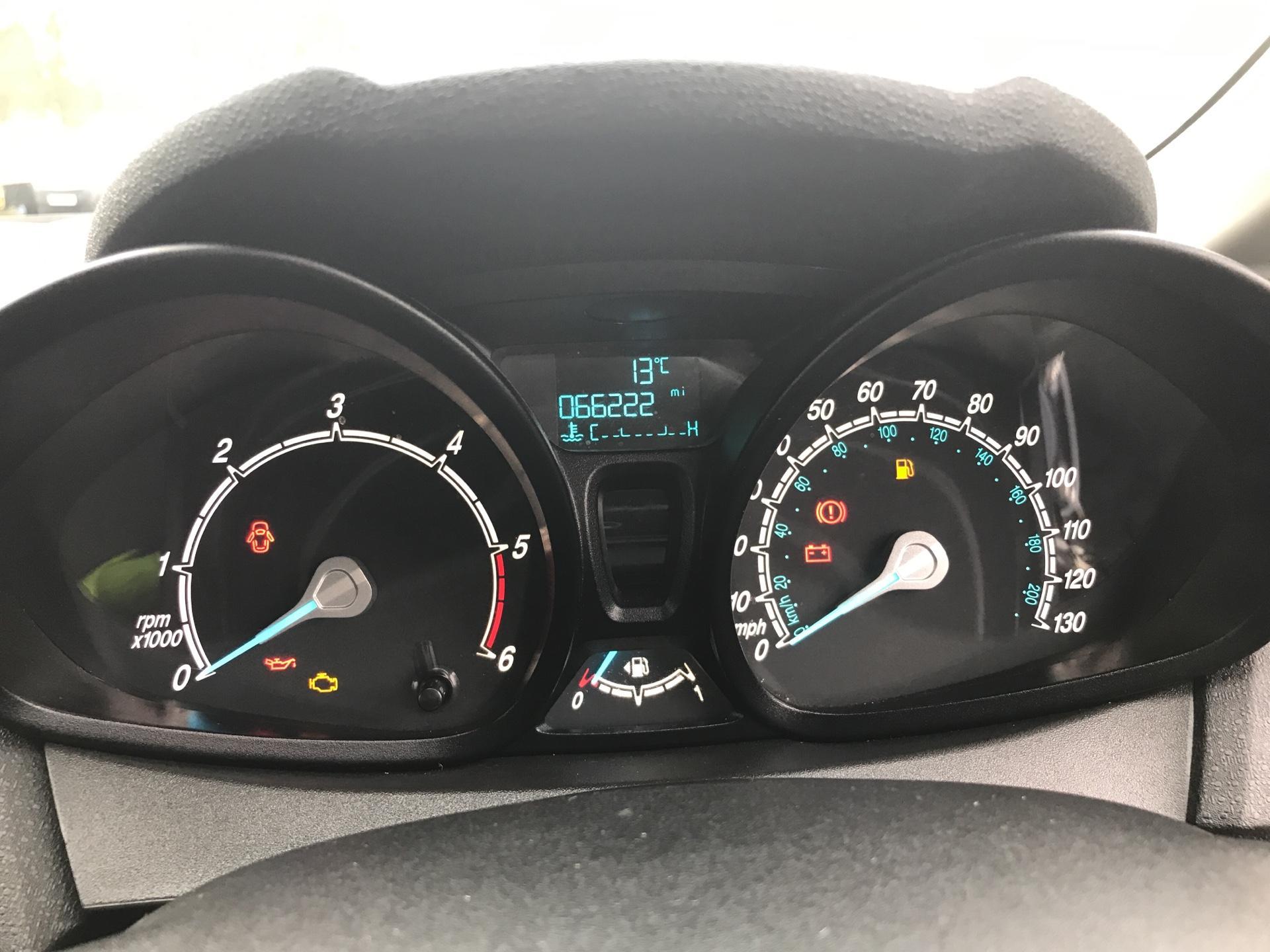 2015 Ford Fiesta  DIESEL 1.5 TDCI VAN EURO 5/6 (FL65SXU) Image 13