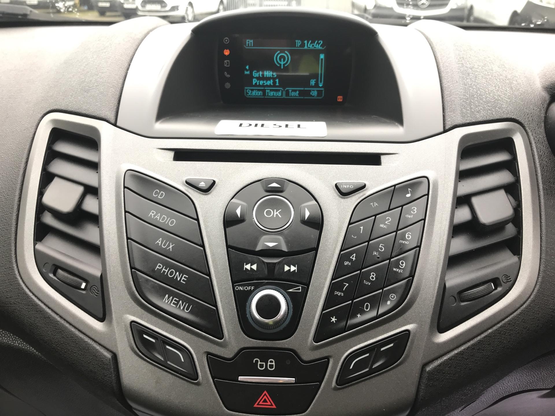2015 Ford Fiesta  DIESEL 1.5 TDCI VAN EURO 5/6 (FL65SXU) Image 10