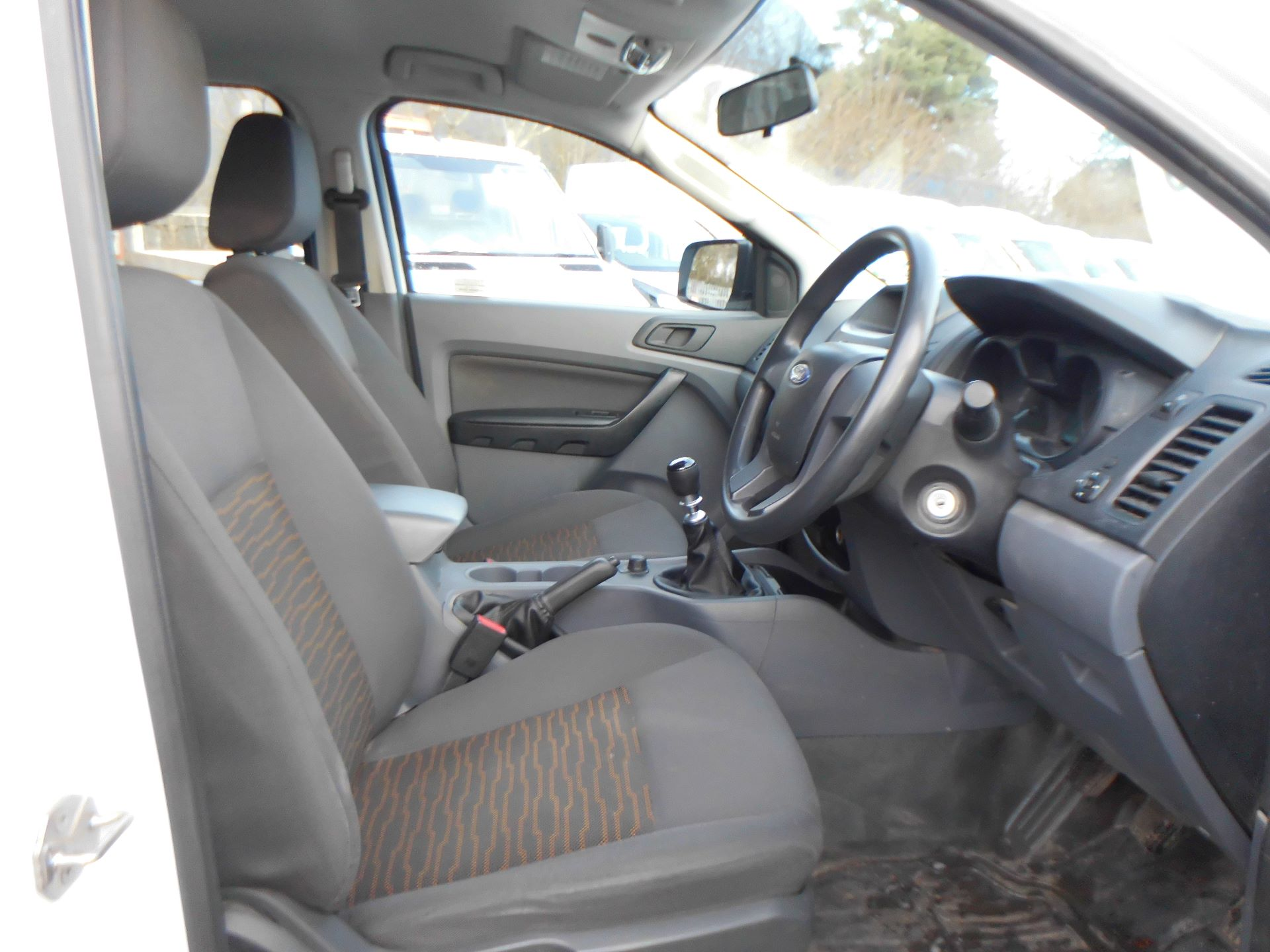 2015 Ford Ranger  Double Cab Pick Up XL 2.2 150 4WD EURO 5 (FL65SZG) Image 5