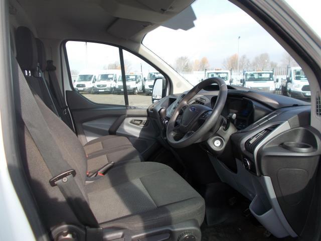 2016 Ford Transit Custom 290 L1 DIESEL FWD 2.2 TDCI 100PS LOW ROOF VAN EURO 5 (FL66EFB) Image 18