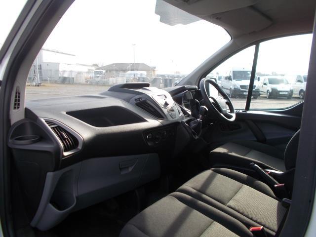 2016 Ford Transit Custom 290 L1 DIESEL FWD 2.2 TDCI 100PS LOW ROOF VAN EURO 5 (FL66EFB) Image 17