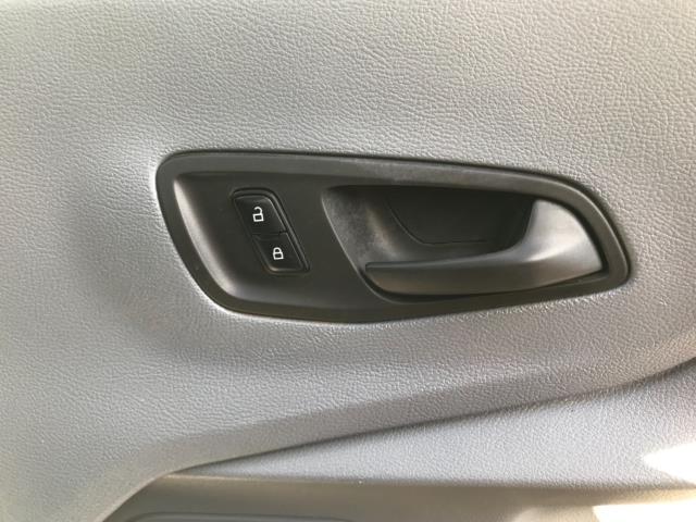 2016 Ford Transit  350 L2 SINGLE CAB TIPPER 125PS EURO 5 (FL66FAA) Image 16