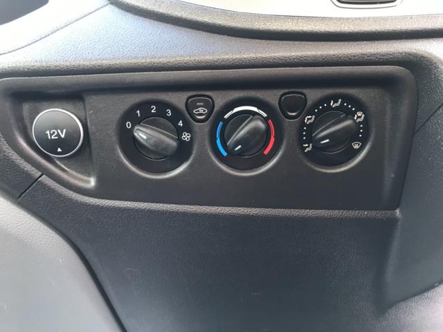 2016 Ford Transit  350 L2 SINGLE CAB TIPPER 125PS EURO 5 (FL66FAA) Image 25