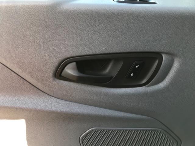 2016 Ford Transit  350 L2 SINGLE CAB TIPPER 125PS EURO 5 (FL66FAA) Image 33
