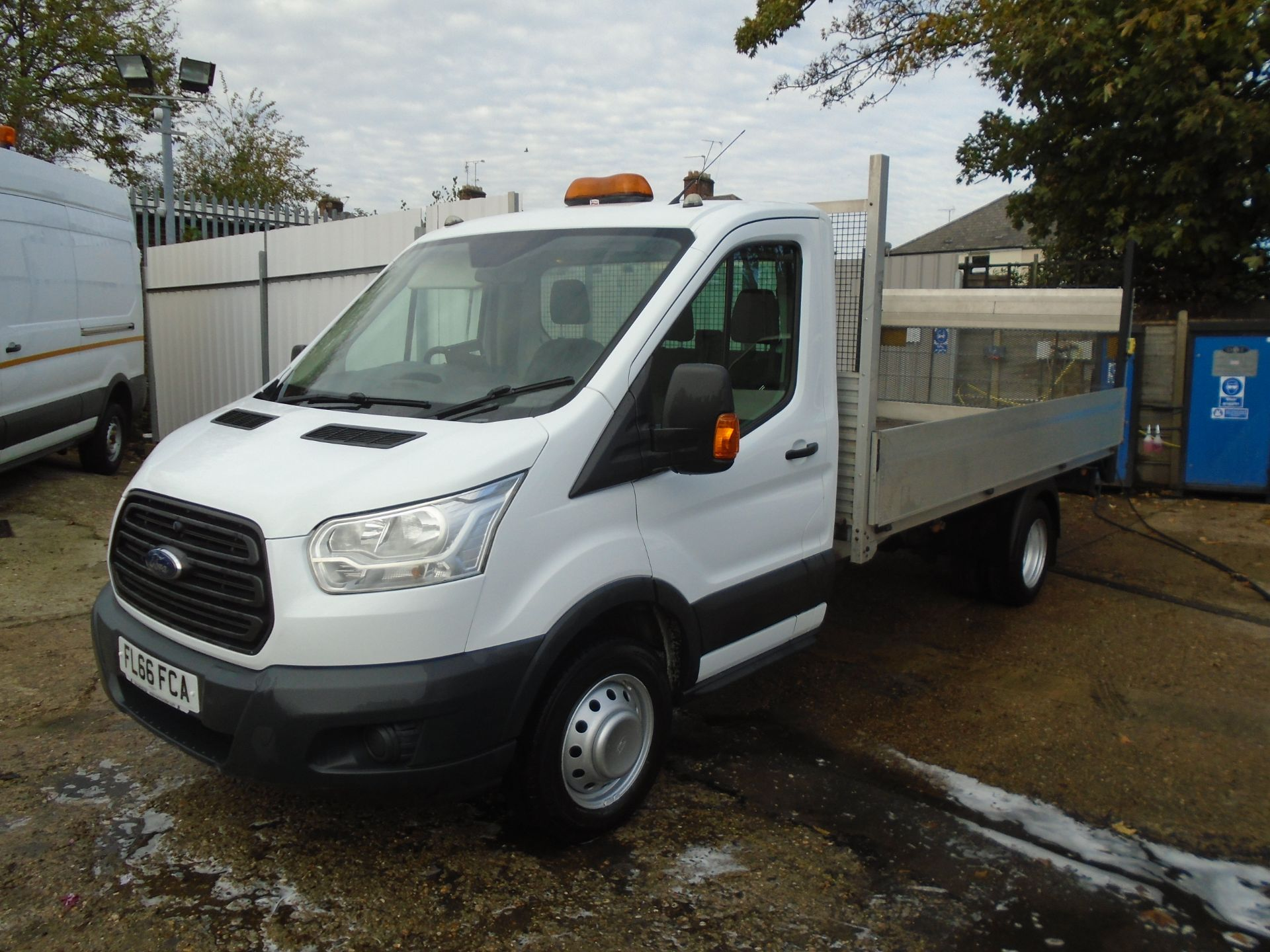 2016 Ford Transit 2.2 Tdci 125Ps Chassis Cab (FL66FCA) Image 3