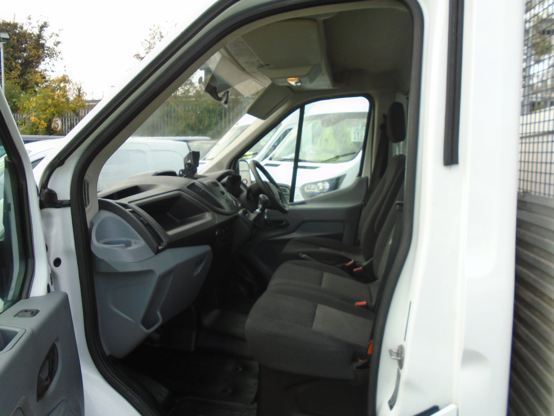 2016 Ford Transit 2.2 Tdci 125Ps Chassis Cab (FL66FCA) Image 15