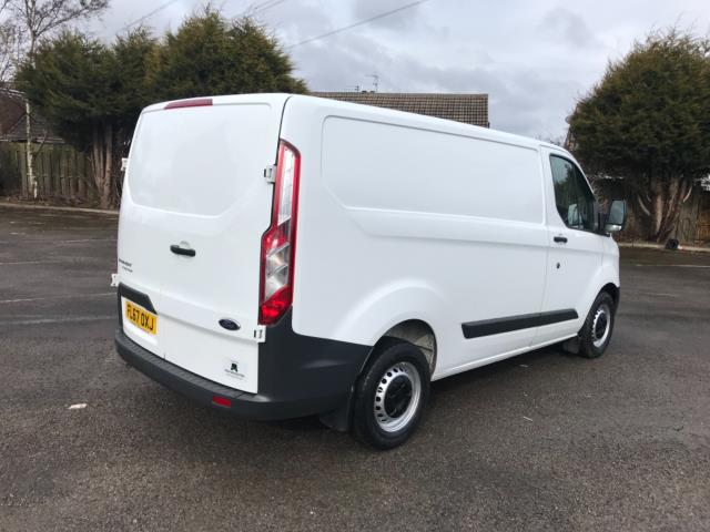 2017 Ford Transit Custom 2.0 Tdci 105Ps Low Roof Van Euro 6 (FL67OXJ) Image 8