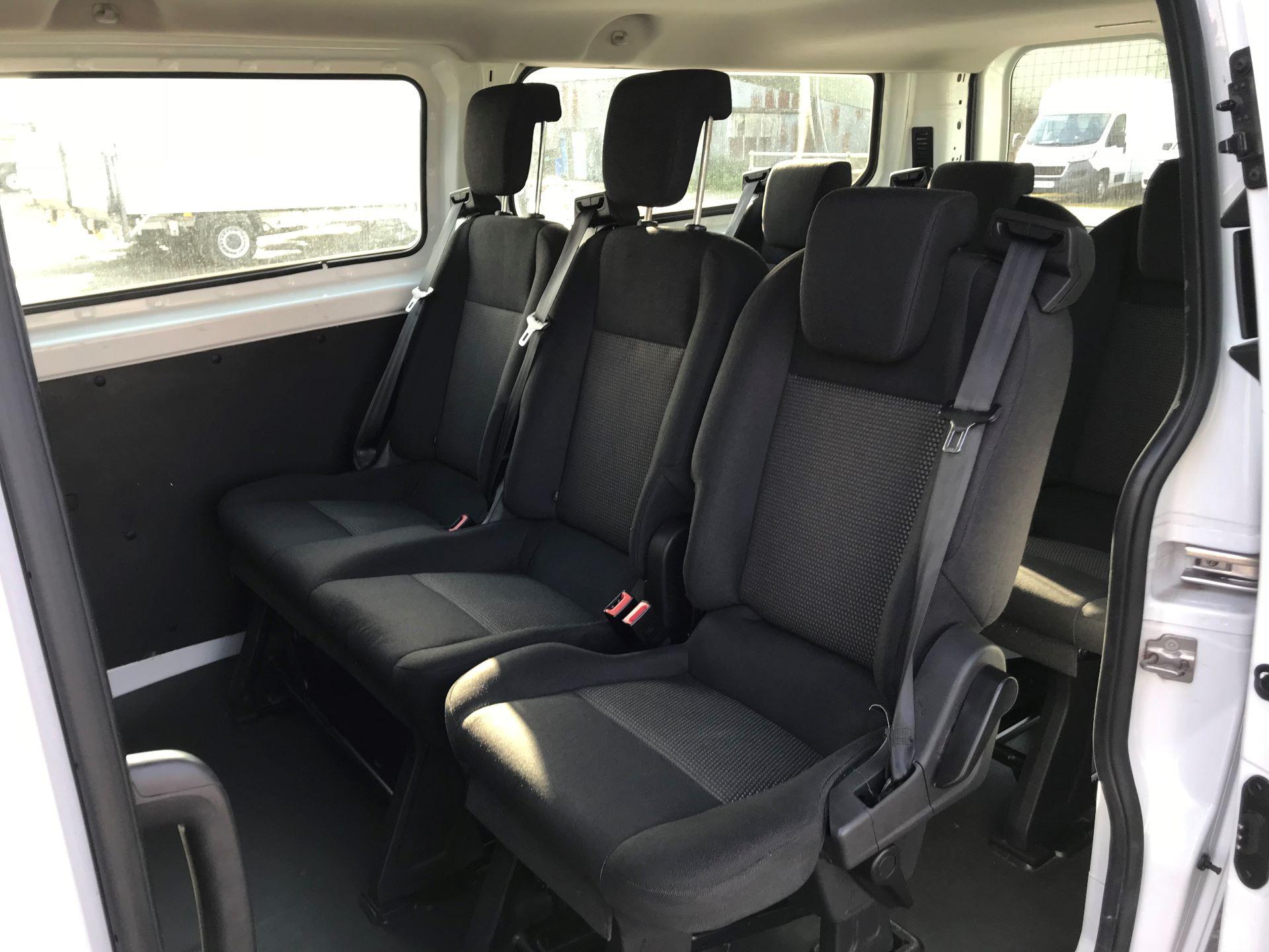 2017 Ford Transit Custom  310  L2  LOW ROOF  KOMBI 130PS EURO 6 (FL67PHA) Image 24