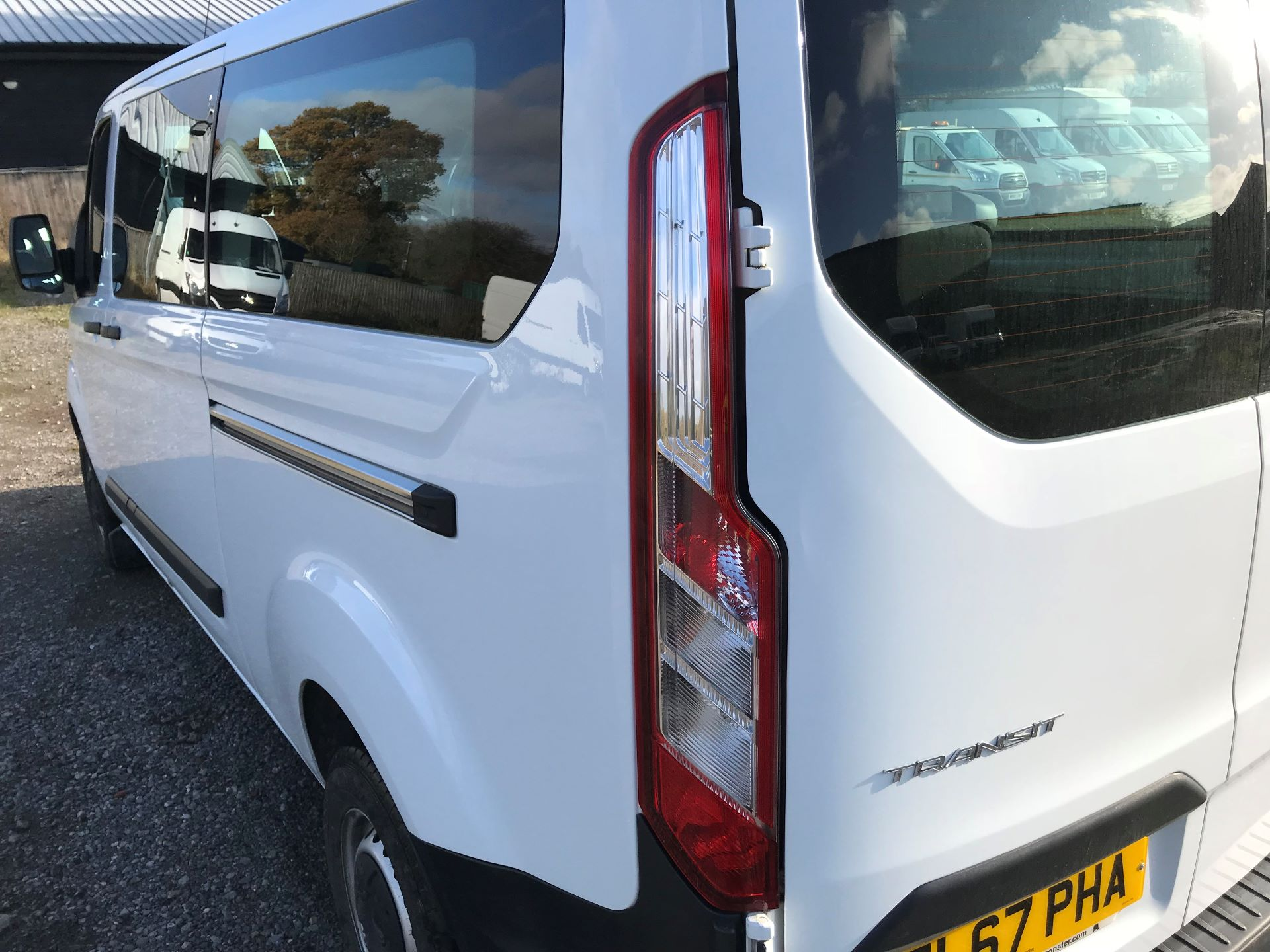 2017 Ford Transit Custom  310  L2  LOW ROOF  KOMBI 130PS EURO 6 (FL67PHA) Image 15