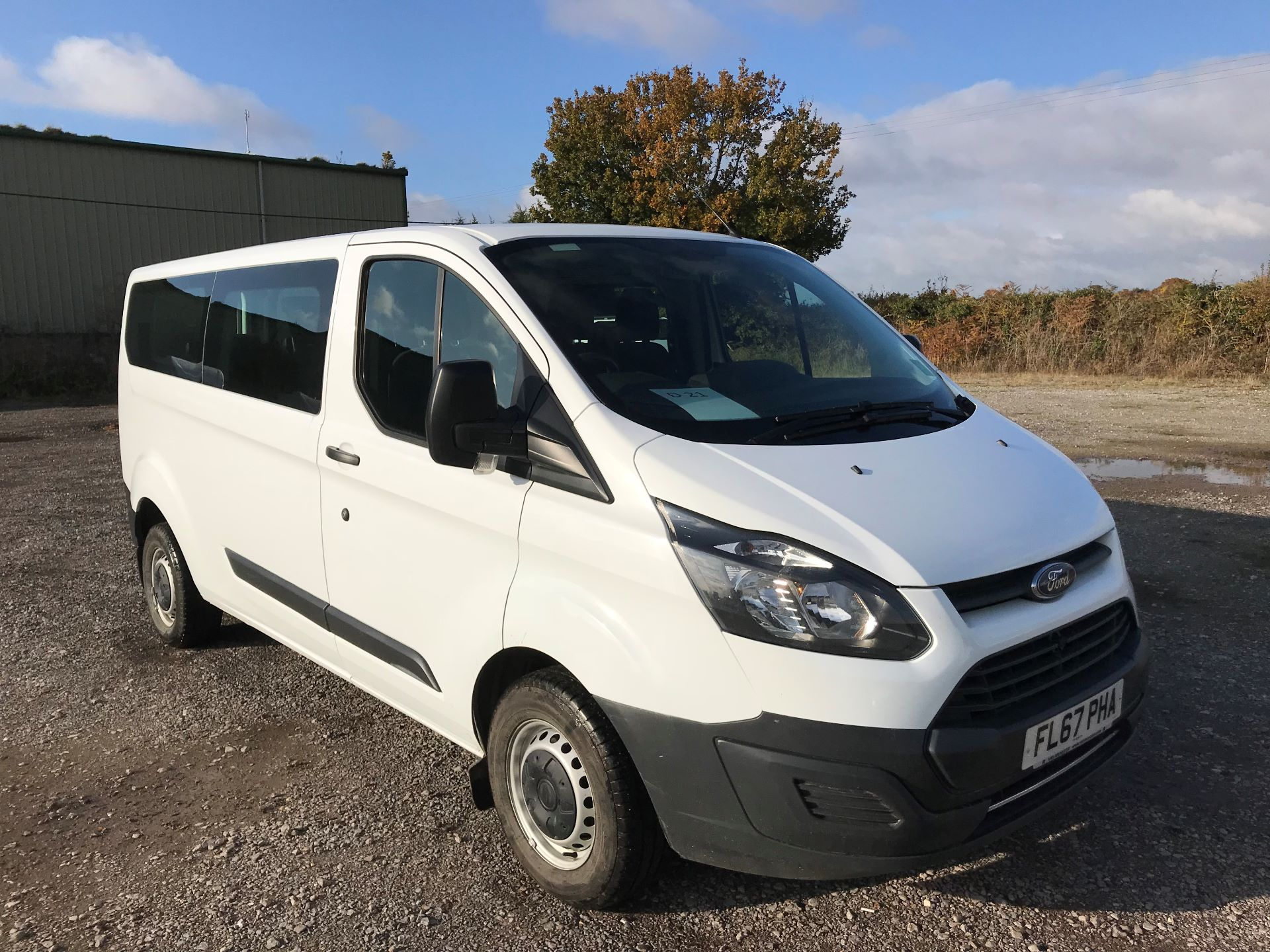 2017 Ford Transit Custom  310  L2  LOW ROOF  KOMBI 130PS EURO 6 (FL67PHA)