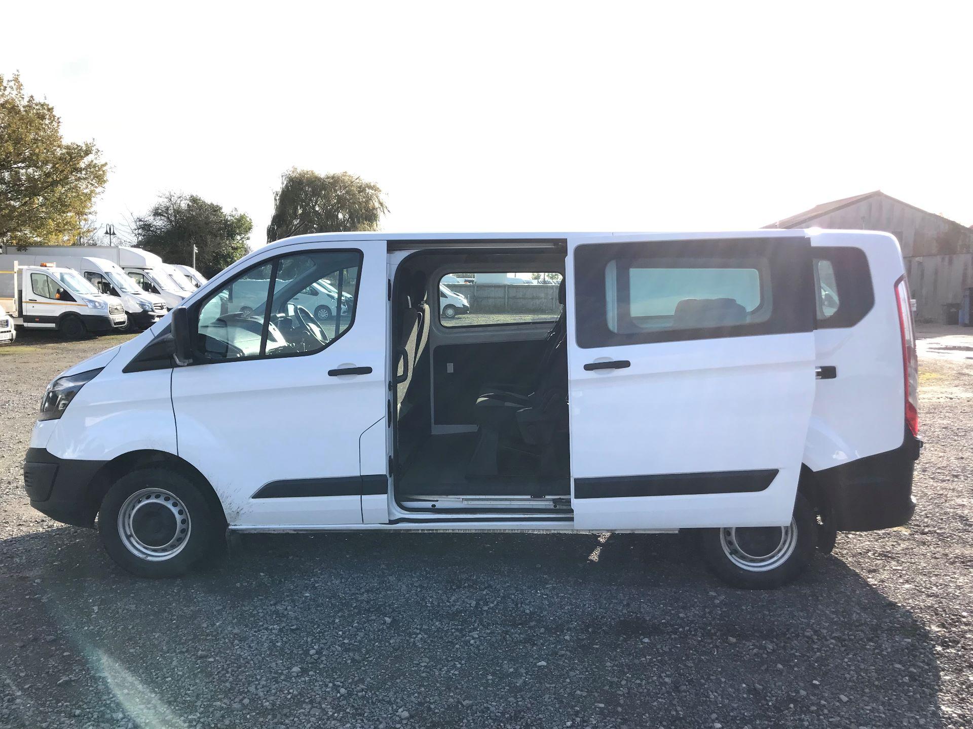 2017 Ford Transit Custom  310  L2  LOW ROOF  KOMBI 130PS EURO 6 (FL67PHA) Image 11