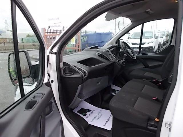 2017 Ford Transit Custom  290 L1 DIESEL FWD 2.0 TDCI 105PS LOW ROOF VAN EURO 6 (FL67PKN) Image 14