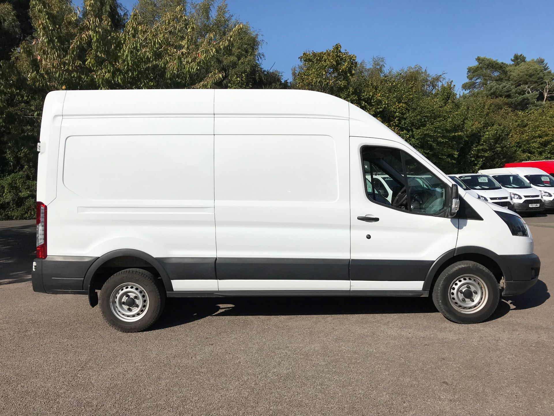 2017 Ford Transit L3 H3 VAN 130PS EURO 6 (FL67PNJ) Image 4