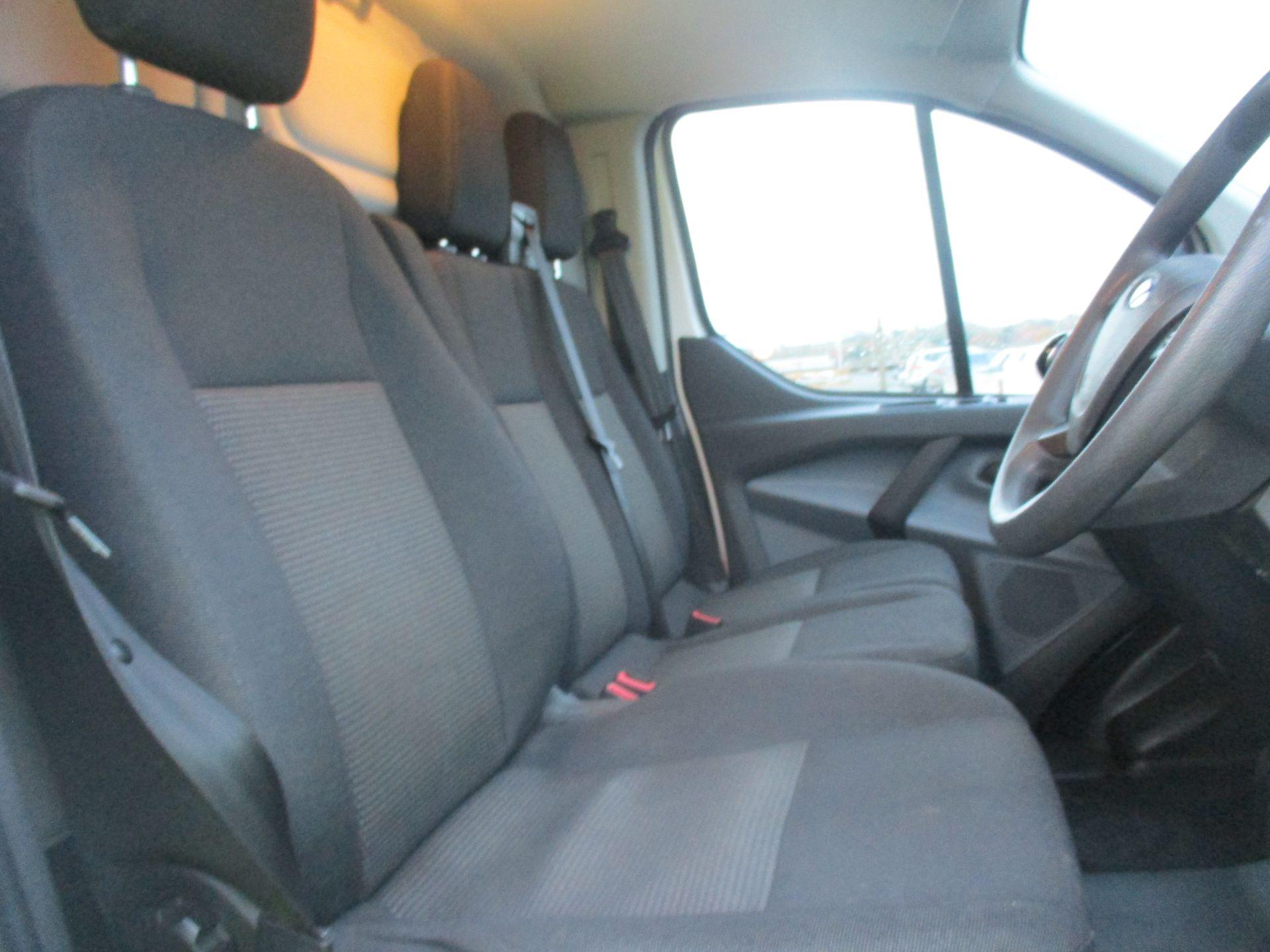2017 Ford Transit Custom 290 L1 DIESEL FWD 2.0 TDCI 105PS LOW ROOF VAN EURO 6 (FL67PNY) Image 12