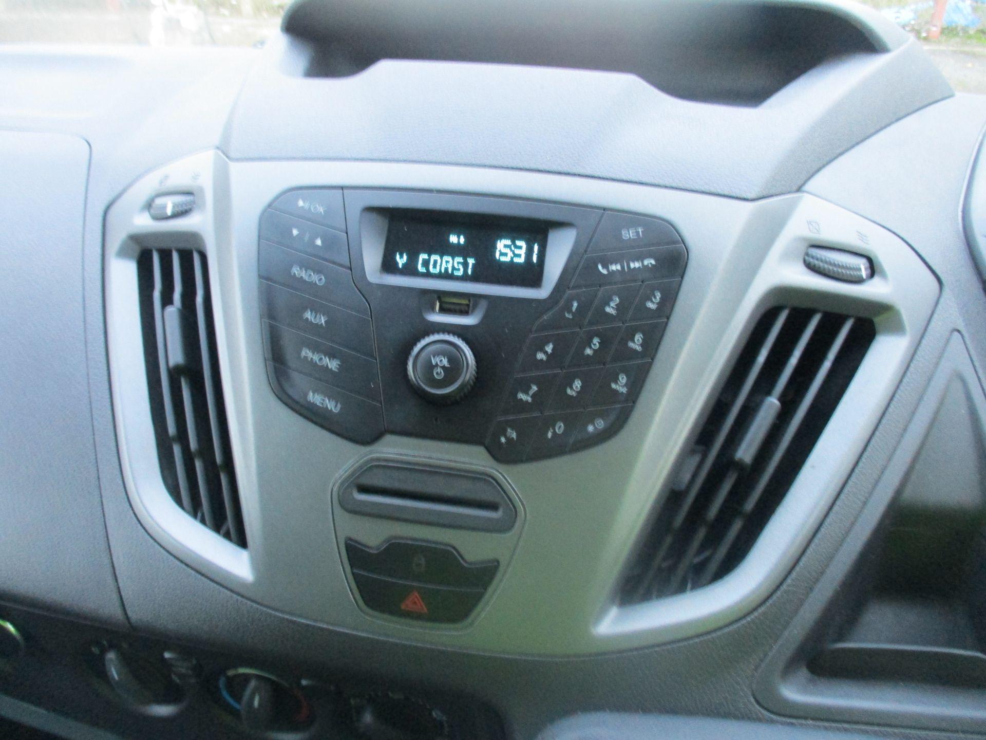 2017 Ford Transit Custom 290 L1 DIESEL FWD 2.0 TDCI 105PS LOW ROOF VAN EURO 6 (FL67PNY) Image 14
