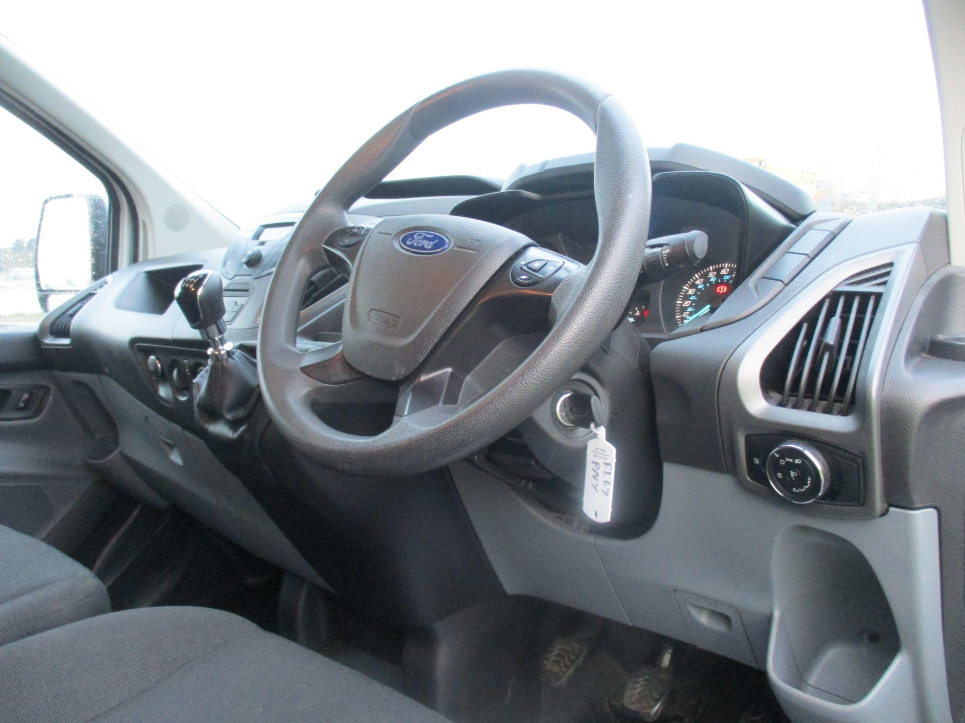 2017 Ford Transit Custom 290 L1 DIESEL FWD 2.0 TDCI 105PS LOW ROOF VAN EURO 6 (FL67PNY) Image 13