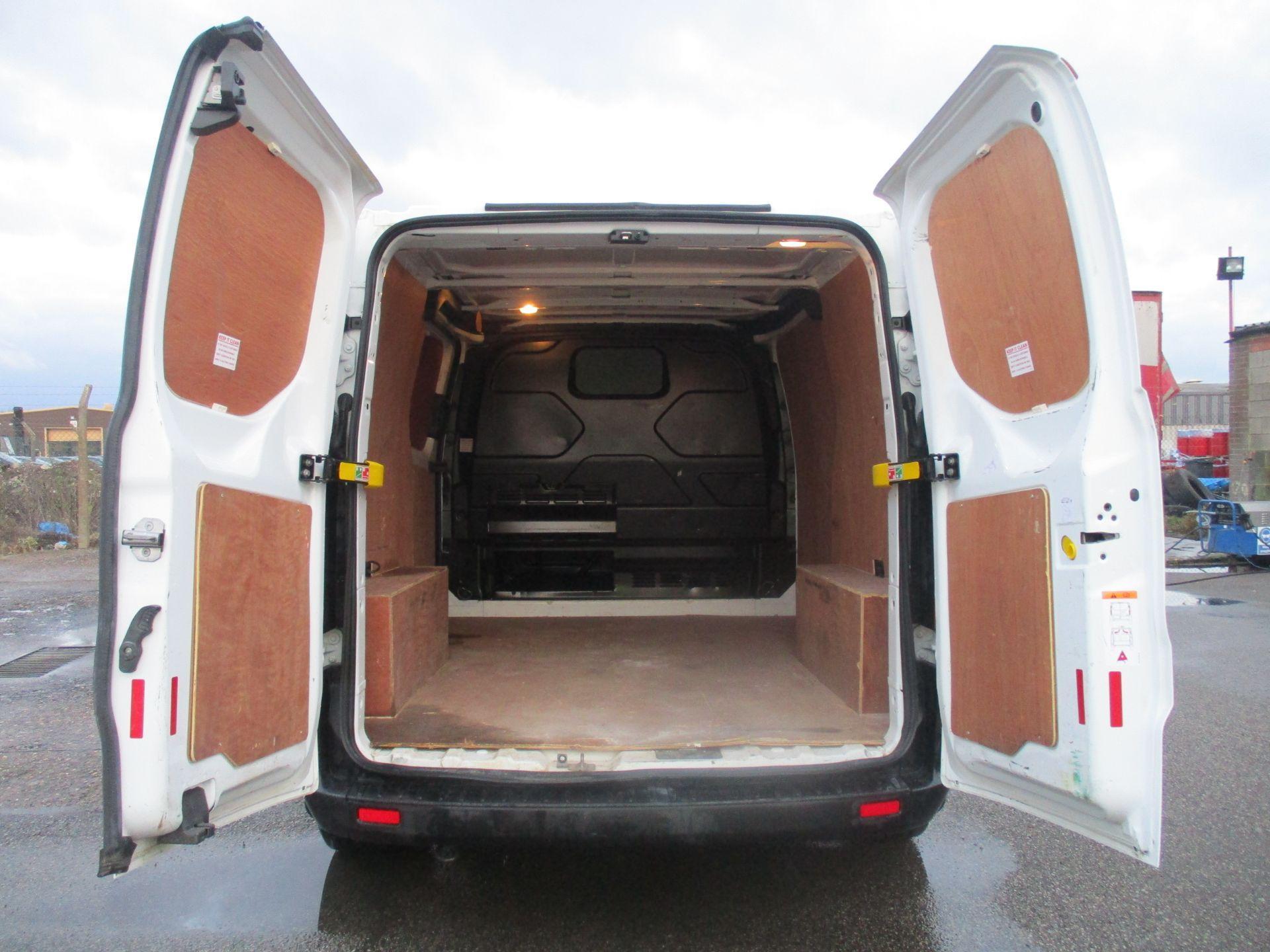 2017 Ford Transit Custom 290 L1 DIESEL FWD 2.0 TDCI 105PS LOW ROOF VAN EURO 6 (FL67PNY) Image 10
