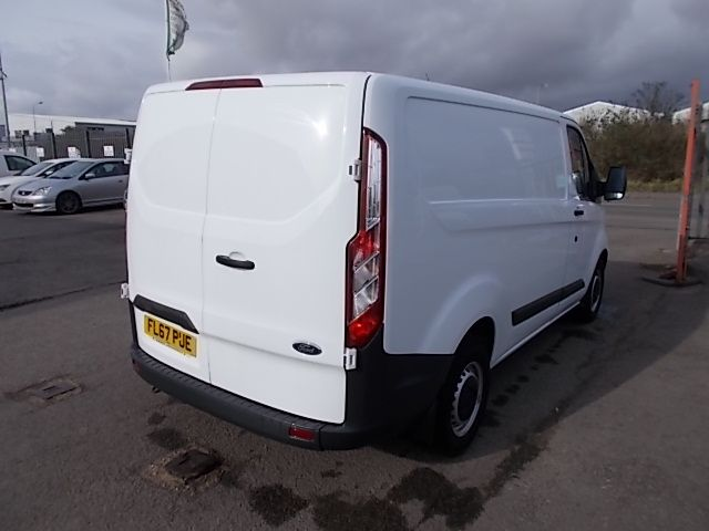 2017 Ford Transit Custom  290 L1 DIESEL FWD 2.0 TDCI 105PS LOW ROOF VAN EURO 6 (FL67PUE) Thumbnail 5