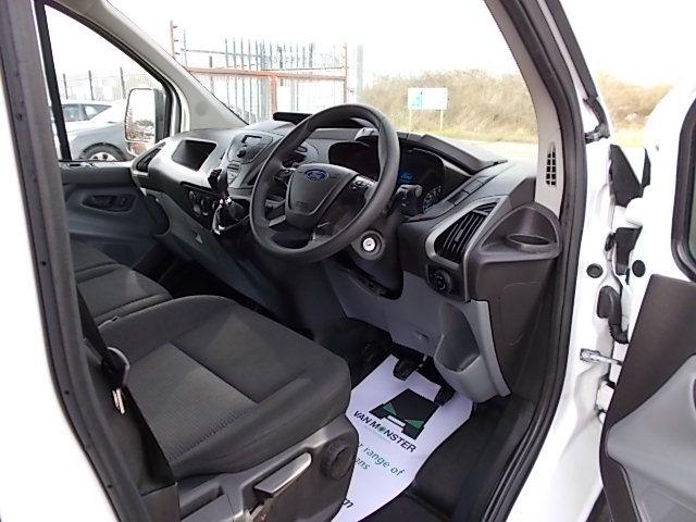 2017 Ford Transit Custom  290 L1 DIESEL FWD 2.0 TDCI 105PS LOW ROOF VAN EURO 6 (FL67PUE) Image 13