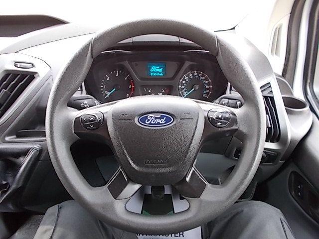 2017 Ford Transit Custom  290 L1 DIESEL FWD 2.0 TDCI 105PS LOW ROOF VAN EURO 6 (FL67PUE) Image 15