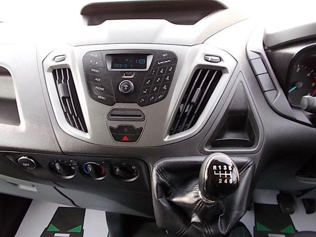 2017 Ford Transit Custom  290 L1 DIESEL FWD 2.0 TDCI 105PS LOW ROOF VAN EURO 6 (FL67PUE) Image 17