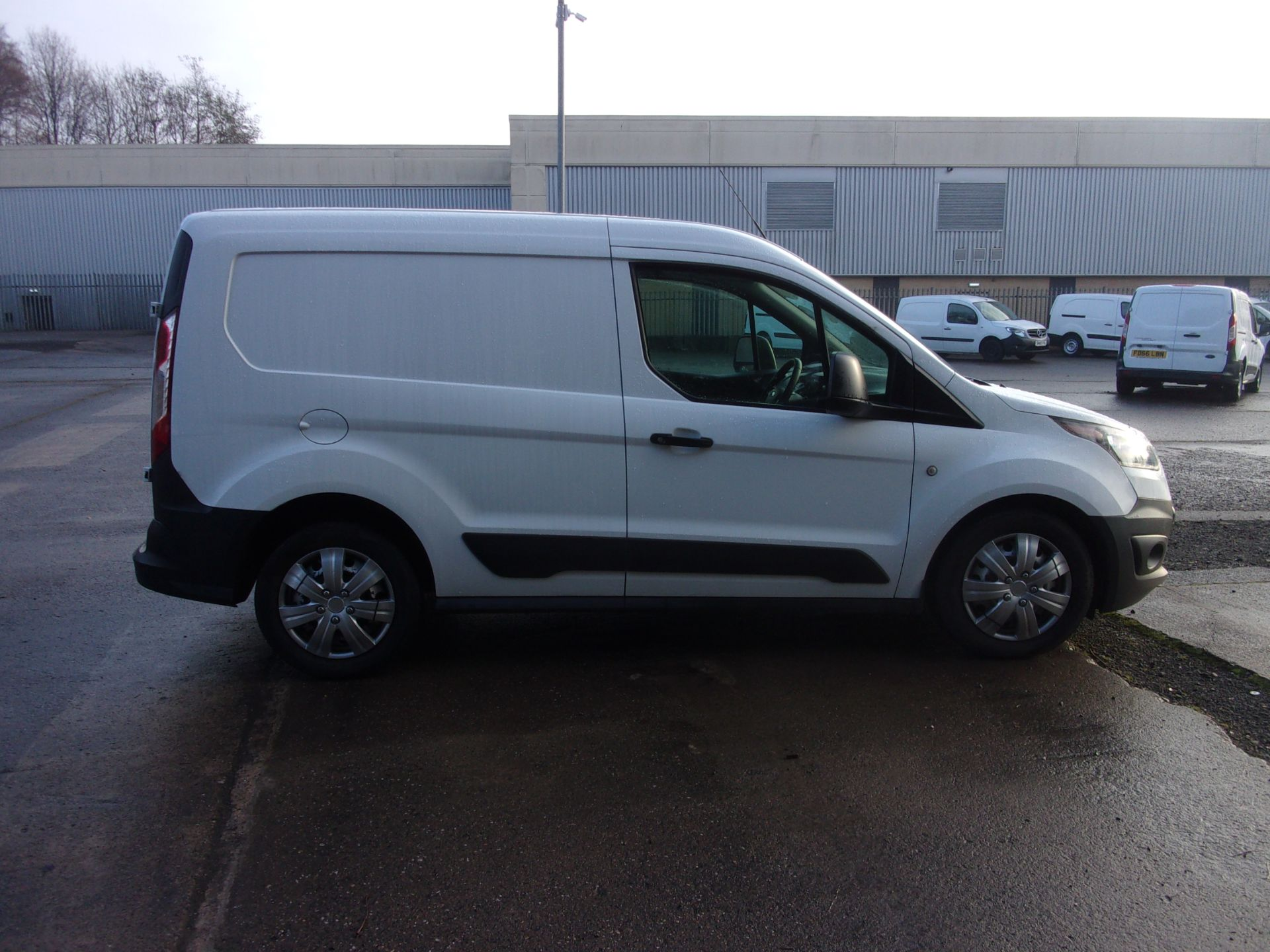 2017 Ford Transit Connect 200 L1 DIESEL 1.5 TDCI 75PS VAN  (FL67PXM) Thumbnail 8