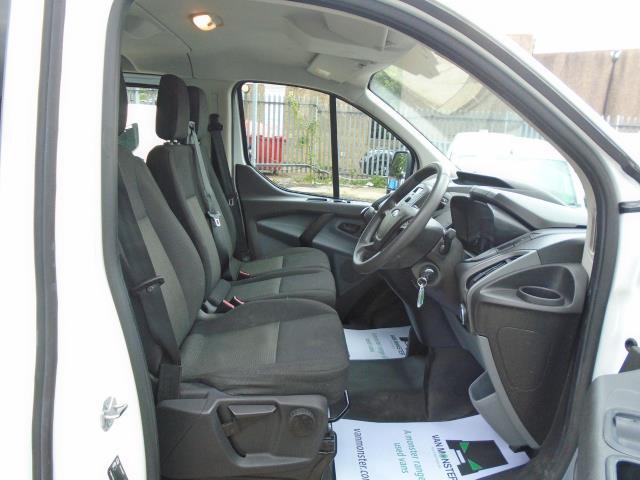 2017 Ford Transit Custom 2.0 Tdci 130Ps Low Roof Kombi Van (FL67PZO) Image 17